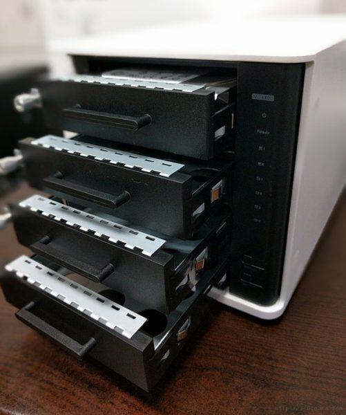 ipTIME NAS4dual 디스크 베이